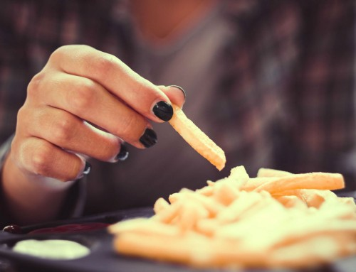 Δυσφαγία: Τι κρύβουν οι διαταραχές κατάποσης;