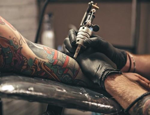 Τατουάζ: Πιθανά προβλήματα από χρωστικές και οι βελόνες