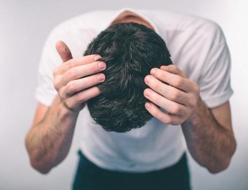 Σπυράκια και άλλες δερματικές βλάβες στο κεφάλι